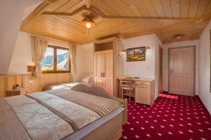 Triple room bedroom