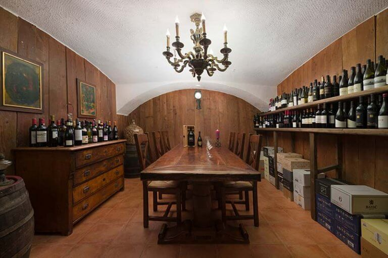 Hotel Planinka Wine Cellar