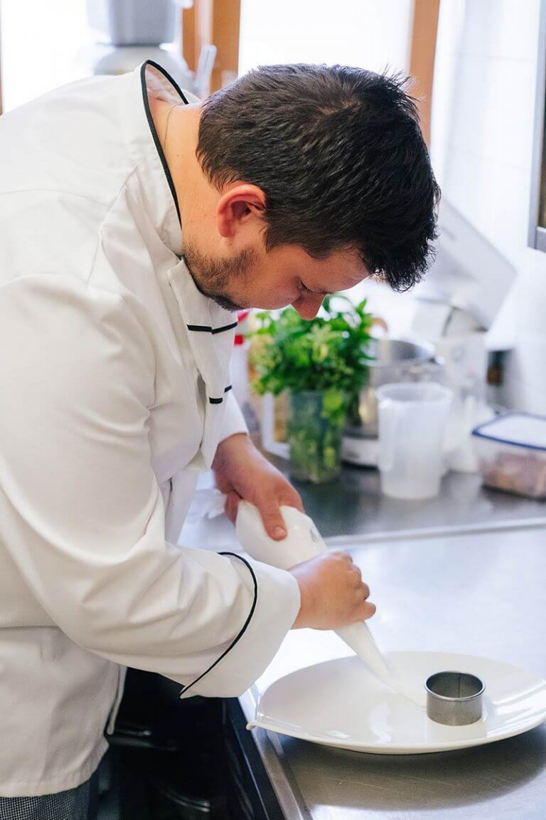 Cook Luka Peternel